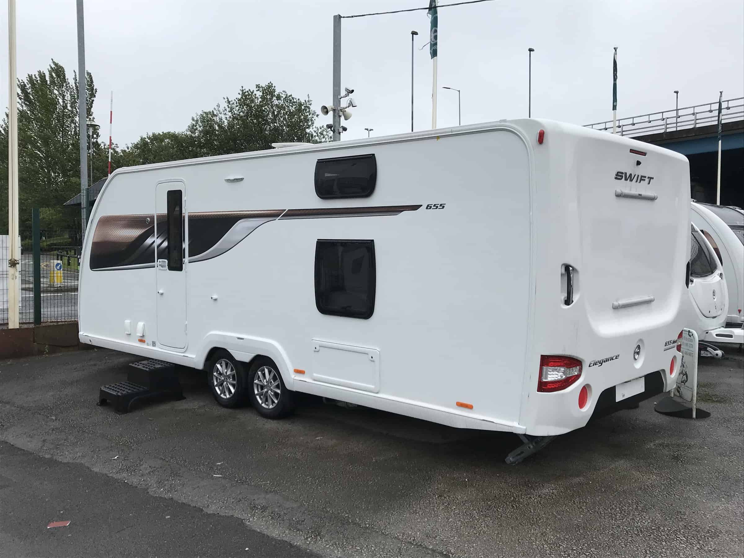 swift Elegance Grande 655 2019 6 berth fixed double rear bunk beds and a all new pull down double bed. REDUCED DOWN TO £29250